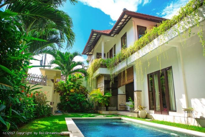 2-Bedroom villa for rent inSeminyak
