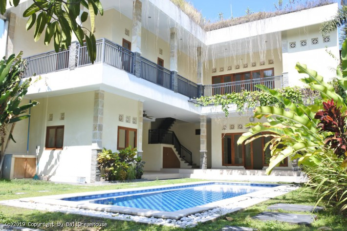3-Bedroom villa for rent in Pererenan