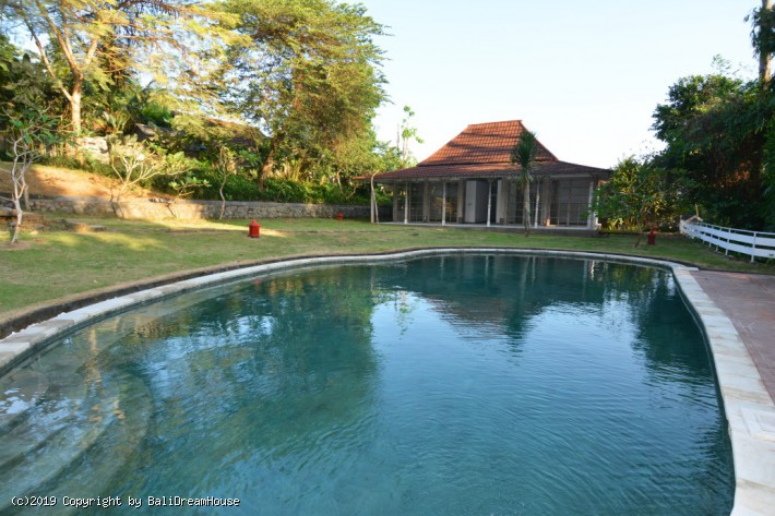 5-Bedroom 36 are villa for sale in Ubud