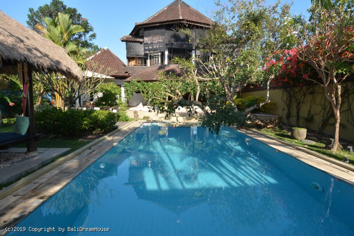 5-Bedroom villa for sale or rent in Pererenan
