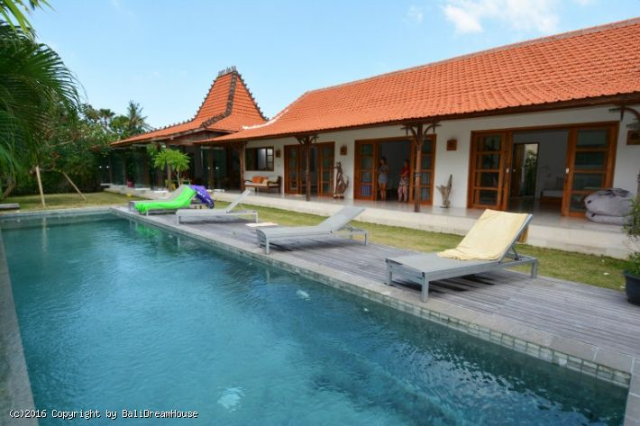 4-Bedroom villa for rent in Berawa, Canggu