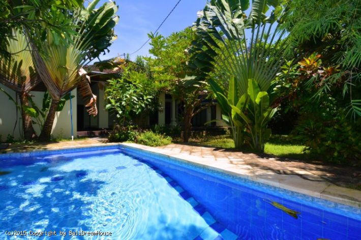 Balinese style villa for rent in Sanur