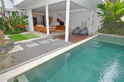 2-Bedroom villa for yearly rent in Petitenget