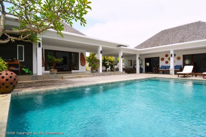 3-Bedroom Villa for rent in Berawa, Canggu