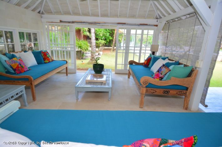 Spacious Beach Front villa for rent in Seminyak
