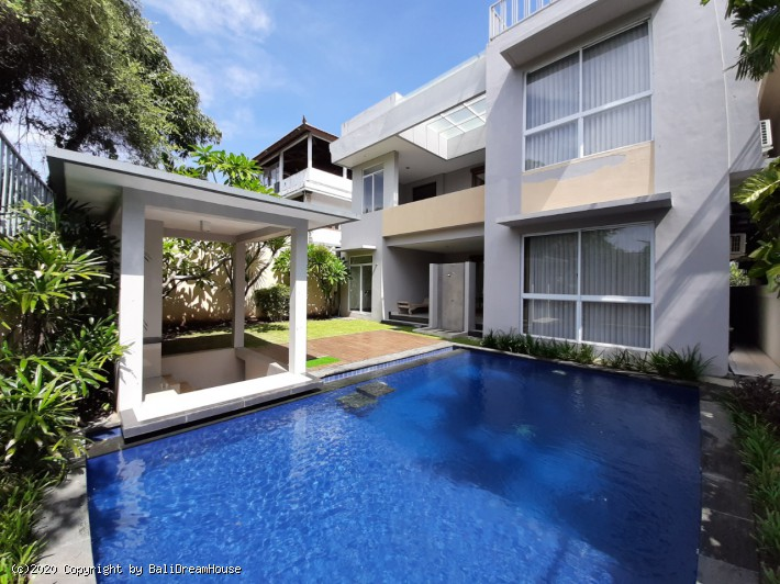 5-Bedroom villa for rent in Nusa Dua