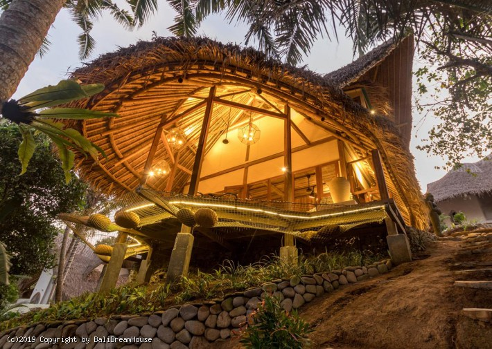 Rustic Natural 3-bedroom villa in Ubud
